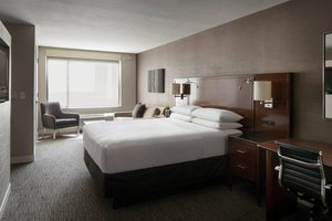 Room - Provo Marriott Hotel & Conference Center