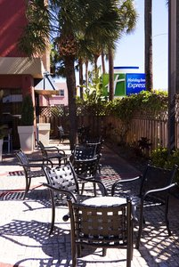 Exterior View Holiday Inn Express Miami Airport Springs
