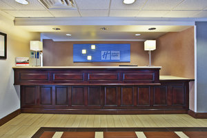 Lobby - Holiday Inn Express Groveport