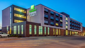 Exterior view - Holiday Inn Express Hotel & Suites Platteville