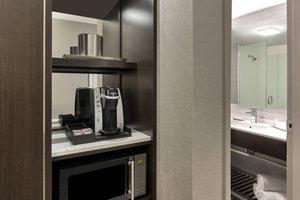 Suite - Fairfield Inn & Suites by Marriott Waltham