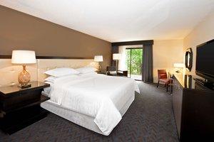 Room - Sheraton Hotel Minnetonka
