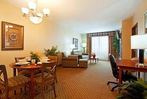 Suite - Holiday Inn Battle Creek