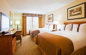 Room - Holiday Inn Battle Creek