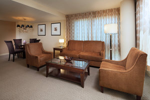Suite - Sheraton Hotel Airport Ontario