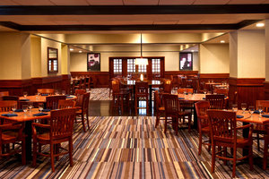 Restaurant - Sheraton Bucks County Hotel Langhorne