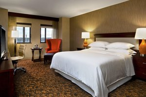 Room - Sheraton Hotel at Monarch Place Springfield