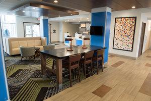 Lobby - Holiday Inn Express Hotel & Suites Southwest Dayton