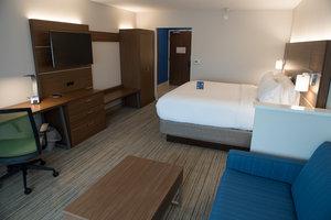 Suite - Holiday Inn Express Hotel & Suites Southwest Dayton