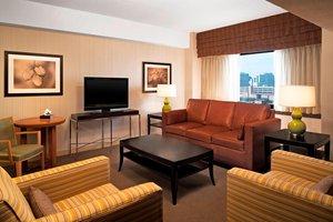 Suite - Sheraton Stamford Hotel