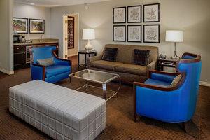 Suite - Sheraton Westport Chalet Hotel Maryland Heights