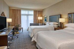 Room - Sheraton Music City Hotel Nashville