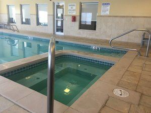 Pool - Holiday Inn Express Hotel & Suites Limon