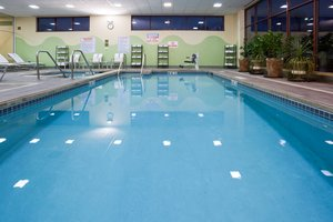 Pool - Crowne Plaza Hotel Wauwatosa