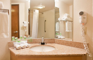 - Holiday Inn Express Hotel & Suites MO 76 Central Branson
