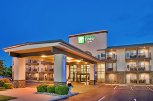 Exterior view - Holiday Inn Express Hotel & Suites MO 76 Central Branson