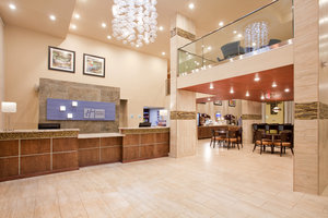 Lobby - Holiday Inn Express Hotel & Suites MO 76 Central Branson