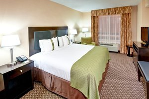 Suite - Holiday Inn Hotel & Suites Wolfchase