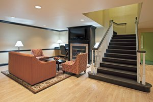 Lobby - Holiday Inn Express Hotel & Suites Reynoldsburg