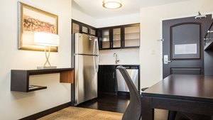 Room - Staybridge Suites West Edmonton