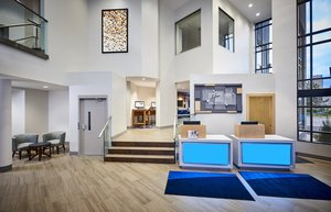 Lobby - Holiday Inn Express Hotel & Suites Waterfront Windsor