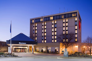 Exterior view - Sheraton Hotel Cleveland Airport