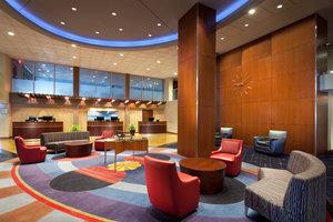 Lobby - Sheraton Hotel Cleveland Airport