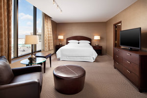 Suite - Sheraton Hotel Cleveland Airport