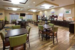 Restaurant - Holiday Inn Express Hotel & Suites Fort Dodge