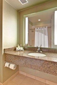 - Holiday Inn Express Hotel & Suites I-215 Las Vegas