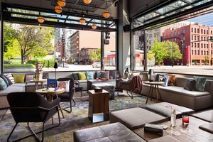 Restaurant - Moxy Hotel by Marriott Downtown Chicago