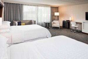 Room - Sheraton Hotel Bloomington