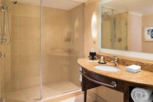 Room - Sheraton Hotel Bloomington