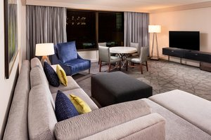 Suite - Sheraton Hotel Bloomington