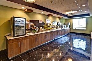 Restaurant - Holiday Inn Express West Hutchinson