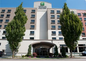 Exterior view - Holiday Inn Express Vancouver Airport