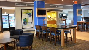 Lobby - Holiday Inn Express Hotel & Suites I-295 Jacksonville