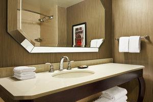 Room - Sheraton Society Hill Hotel Philadelphia