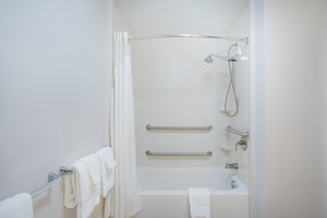 - Holiday Inn Express Hotel & Suites Frankfort