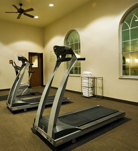 Fitness/ Exercise Room - Holiday Inn Express Hotel & Suites Levelland