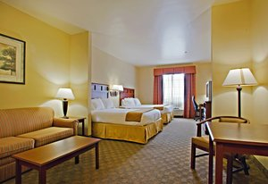 Suite - Holiday Inn Express Hotel & Suites Levelland