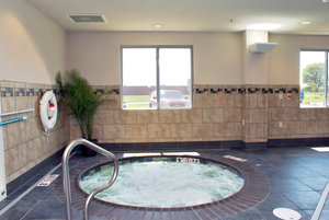 Pool - Holiday Inn Express Hotel & Suites South Tulsa