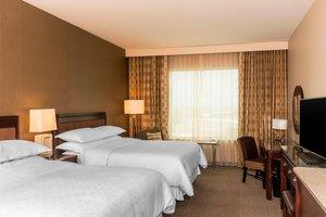 Room - Sheraton Hotel Mesa