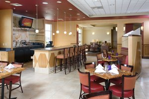 Bar - Holiday Inn Hotel & Suites North Bakersfield