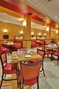 Restaurant - Holiday Inn Hotel & Suites North Bakersfield