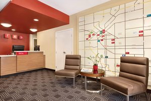 Lobby - TownePlace Suites by Marriott Downtown Denver