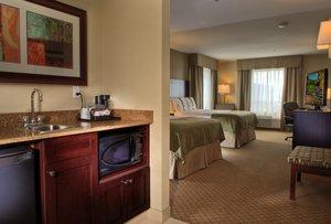 Room - Holiday Inn Hotel & Suites Kamloops
