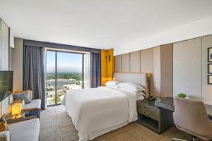 Room - Sheraton Universal Hotel Universal City