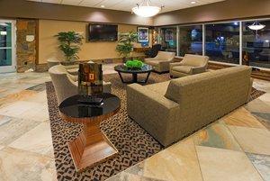 Lobby - Holiday Inn Detroit Lakes