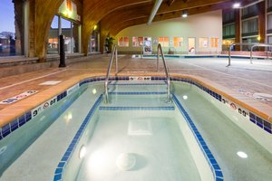Pool - Holiday Inn Detroit Lakes
